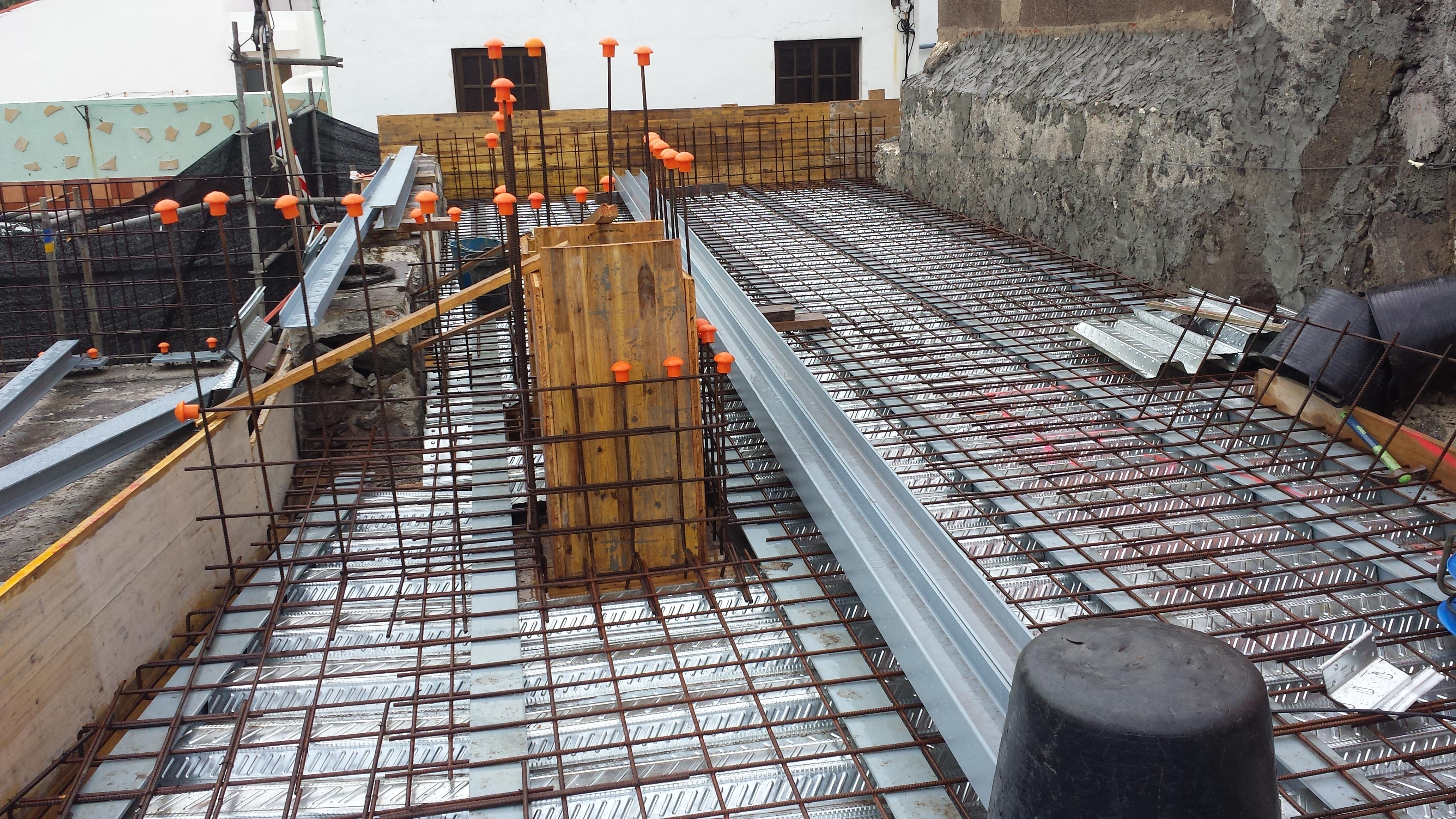 Ecosteel estructuras forjado de estructura met lica en for Forjado estructura metalica